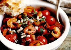Salata_de_creveti_cu_rosii_si_ardei_gras