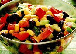 Salată mexicană cu crutoane de tortilla