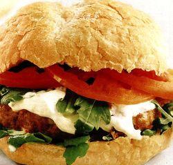 Burger_de_curcan_cu_mozzarella_si_ruccola