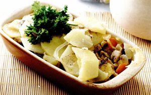 Cartofi_copti_cu_carne