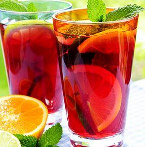 Cocktail_cu_vin_si_fructe