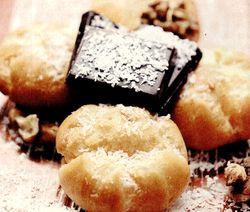 Gogosele_cu_ciocolata_si_cocos