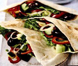 Lipii_umplute_cu_salata_de_legume