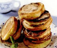Pancakes_cu_zahar_si_scortisoara