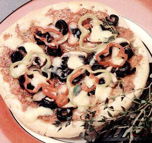 Pizza_cu_legume_si_sos_de_rosii