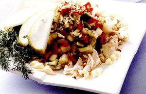 Salata_cu_carne_de_pui_si_pere