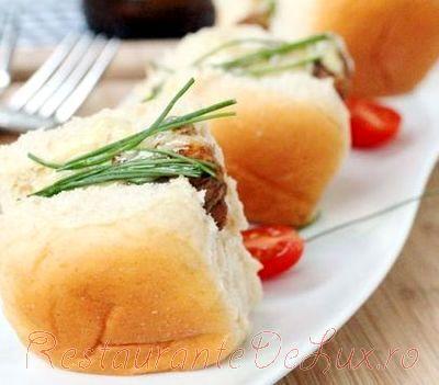 Sandwich_cu_pui_si_sos_de_maioneza_10