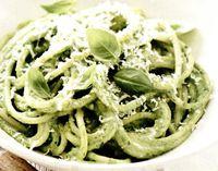 Spaghete_cu_pesto_si_parmezan