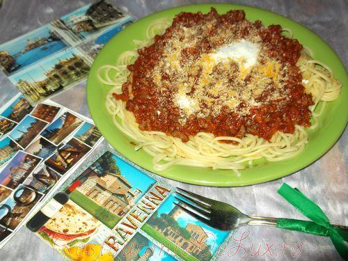 Spaghetti_cu_ragu_alla_napoletana_24