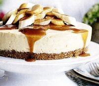 Cheesecake_cu_banane_si_caramel