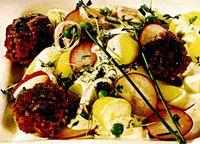 Chiftelute_cu_salata_de_cartofi