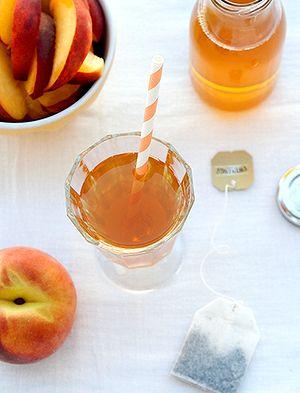 Cocktail_cu_piersici_si_ceai