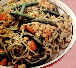Paste_cu_legume_si_sos