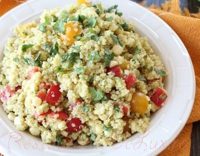 Salata de quinoa cu avocado