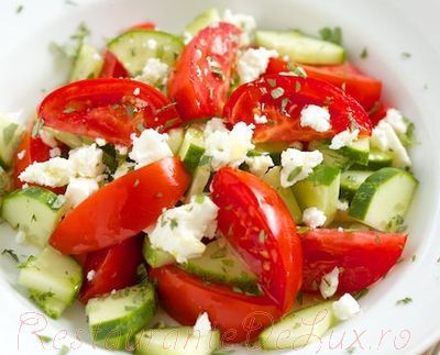 Salata_greceasca_cu_branza_feta_07