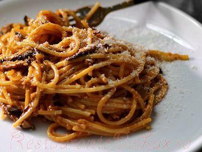 Spaghete_cu_carne_de_porc_si_ciuperci_09