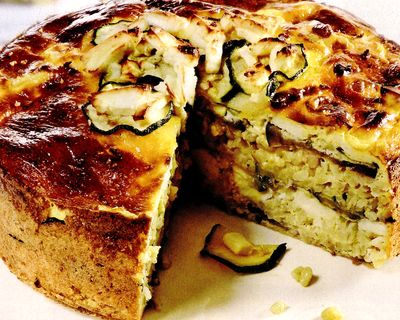Tartă cu salată de vinete, roşii si brânză