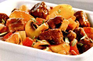 Tocanita_de_vitel_cu_cartofi_si_ciuperci