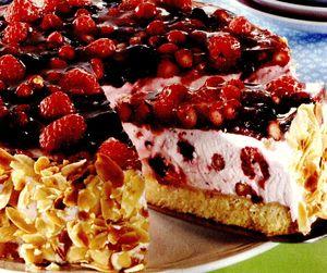 Tort_cu_fructe_de_padure