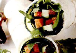 Tortillas_cu_legume_si_frunze_de_rucola