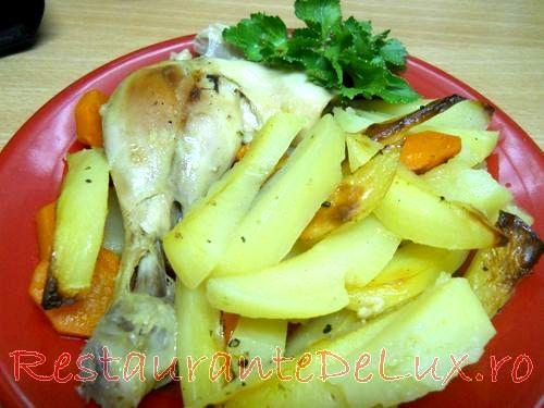 Cartofi_cu_morcovi_si_pulpe_de_pui_la_cuptor_09