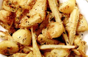 Cartofi_cu_pastarnac_si_parmezan