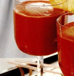 Cocktail_cu_lapte_de_cocos_si_sirop_de_grenadine