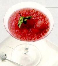 Cocktail_cu_pepene_rosu_vodca_si_menta