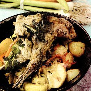 Carne de iepure cu legume si usturoi