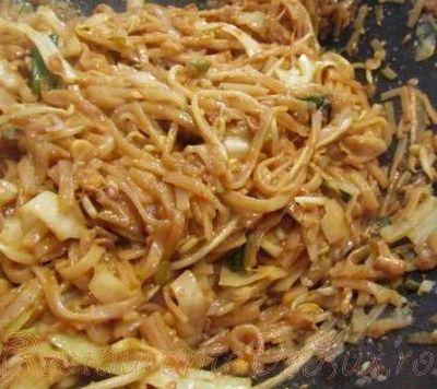 Noodles cu legume si alune