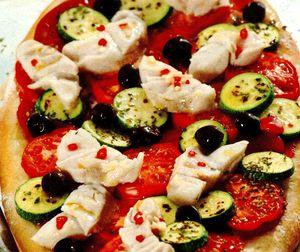 Pizza_cu_peste_si_dovlecel