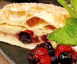 Plăcintă cu fructe si brânză