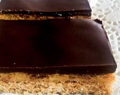 Prajitura_cu_caramel_si_topping_de_ciocolata_08