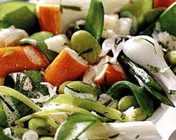 Salată cu surimi