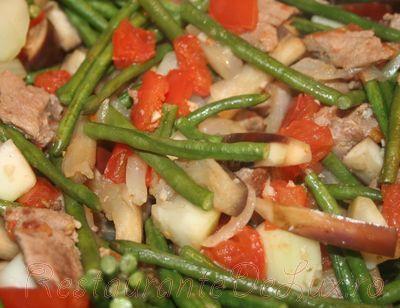 Tocana de legume cu carne de porc si rosii