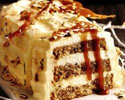 Tort cu crema de vanilie si nuci