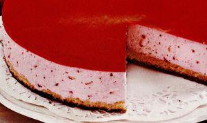 Tort_rosu_de_capsuni.png