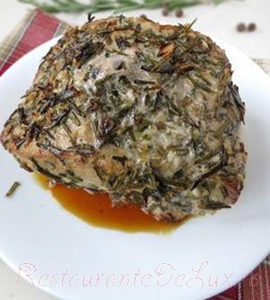 Cotlet de porc la cuptor cu seminte de fenicul, cimbru si rozmarin