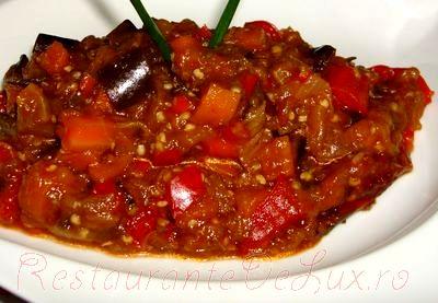 Ghiveci de legume cu sos de rosii