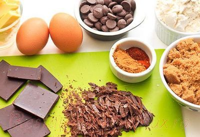 Prajiturele picante de cocos, ciocolată şi rom