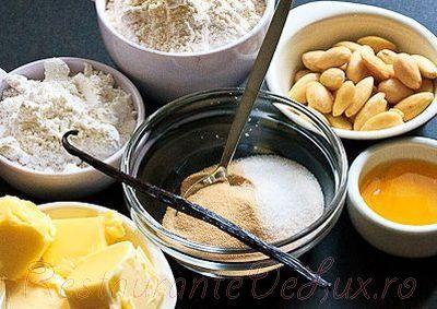 Prajiturele semiluna cu aroma de vanilie