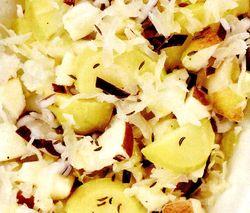 Salată de varză murată şi mandarine