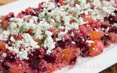 Salata de quinoa cu branza de capra
