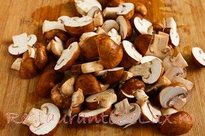 Tocanita de ciuperci cu legume