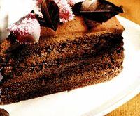 Tort_cu_crema_de_ciocolata