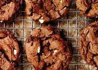 Biscuiti_cu_ciocolata_si_migdale