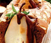 Chec_cu_pere_si_sos_de_ciocolata