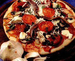 Pizza_cu_ansoa_si_mozzarella