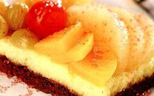Prajitura_cu_gris_si_fructe