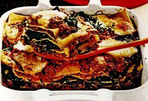 Retete_delicioase_Lasagna_cu_spanac_si_carne_tocata